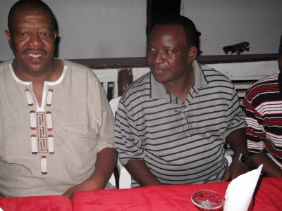 Mkurugenzi na Charles Hillary