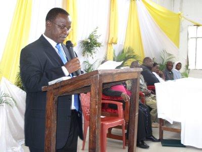 Mwenyekiti wa Ujenzi Bw. R.Luanda